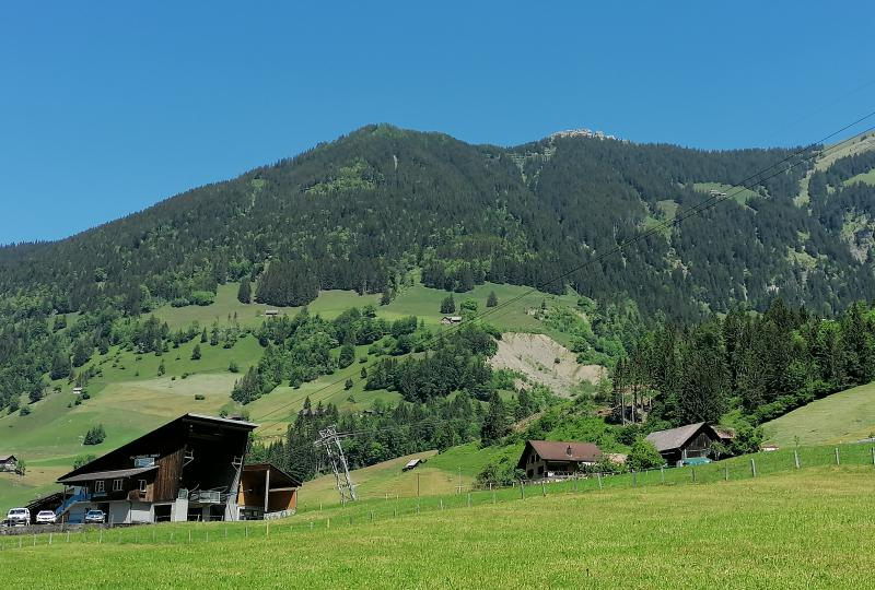 Oberrickenbach mit Luftseilbahn auf die Bannalp