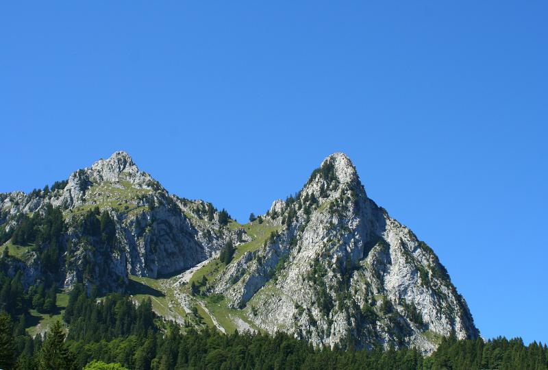 Small Mythen and Haggenspitz (left) seen from Brunni