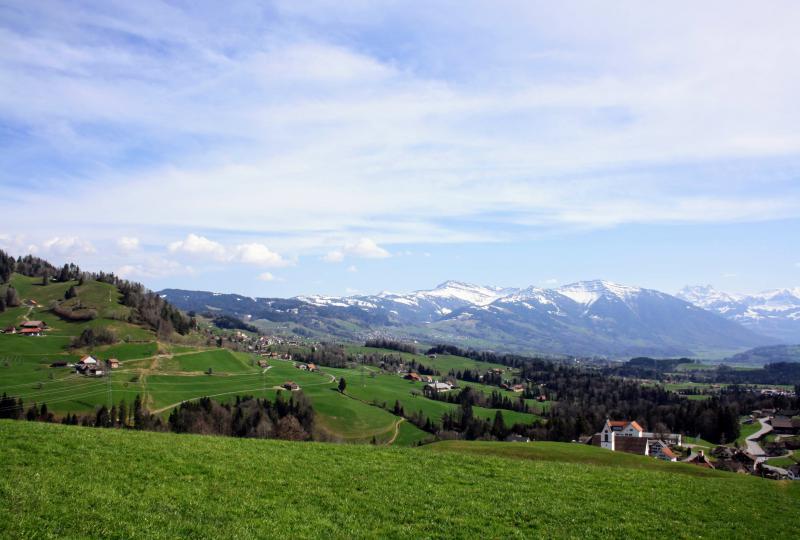 View and landscape around Goldingen