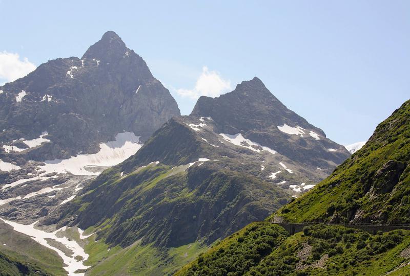 Die Sustenstrasse und der Weg zum Gipfel