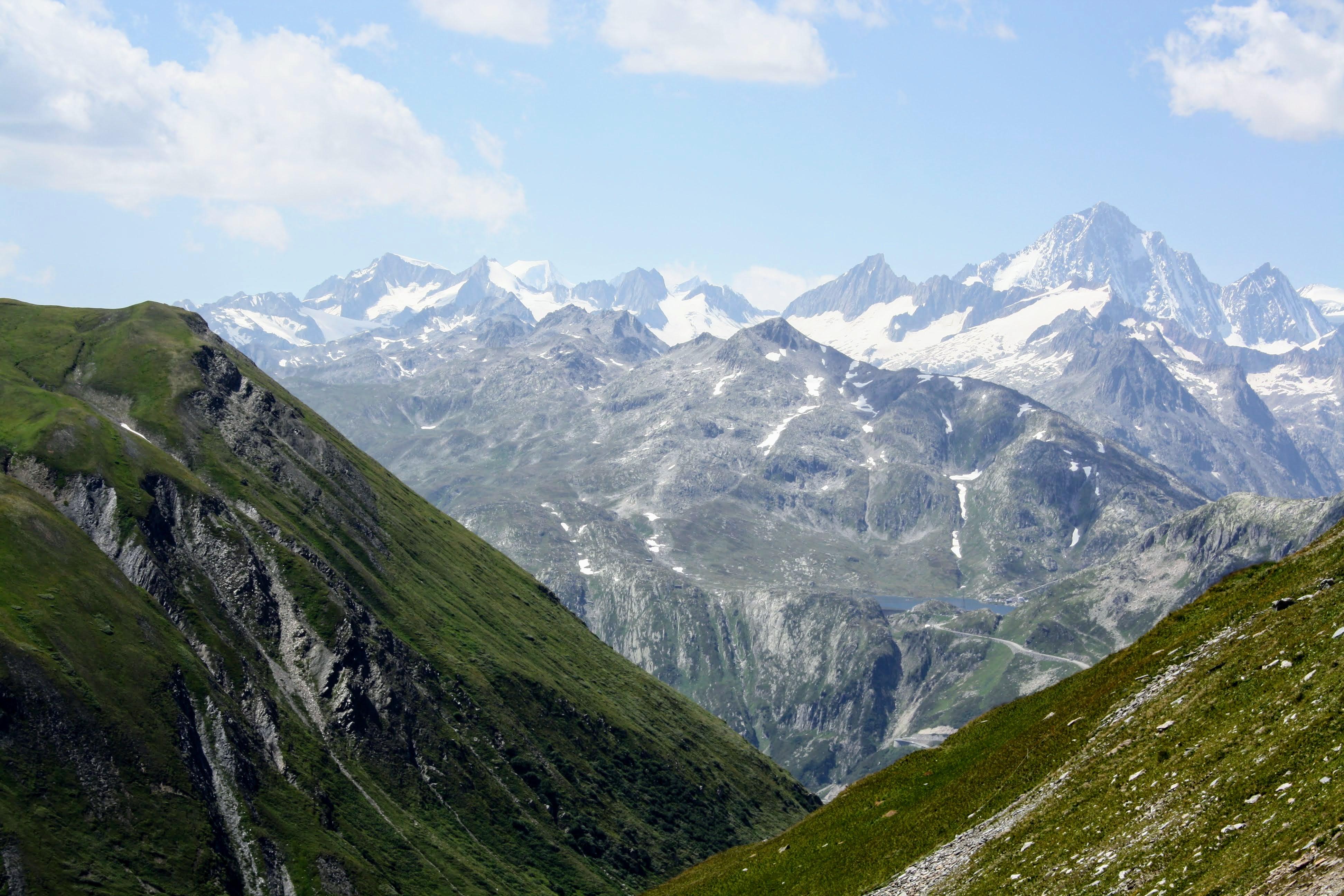 Sustenpass (2436 m.ü.M.): Sicht auf die Alpen Richtung Wallis