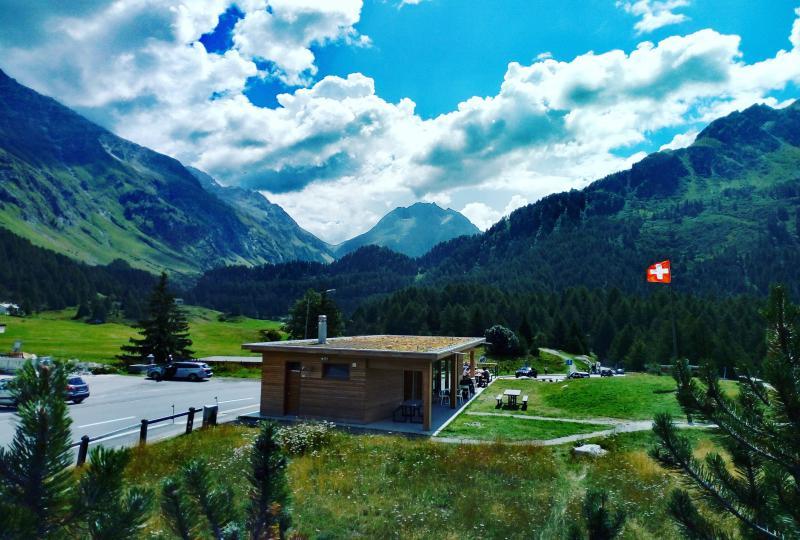 Riprodurre video: Malojapass (von Bregaglia aus bergauf)